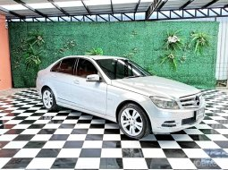 2011 Mercedes-Benz C200 CGI 1.8 Avantgarde รถเก๋ง 4 ประตู