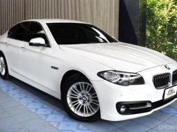 BMW 520i  เป็นตัว LCi แท้ๆ หน้าใหม่หล่อกว่าเดิม แต่ความแรง สบาย และประหยัด ไม่ขาดหาย