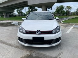 2013 Volkswagen Golf 2.0 GTI รถเก๋ง 5ประตู