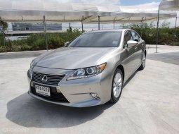Lexus ES300h 2.5 Hybrid ปี2015 ไมล์ 94,xxx รถบ้านมือ1 เจ้าของขายเอง เข้าศูนย์ตลอด