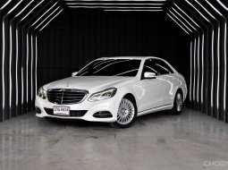 New !! Benz E300 Exclusive Blue Tec Hybrid ปี 2013 มือเดียวป้ายแดง สภาพสวย สีขาว ภายในดำ เบาะน้ำตาล