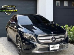 2015 BENZ GLA200 Urban ขับสบาย มั่นใจได้ สุดประหยัด  รถศูนย์ Benz Thailand