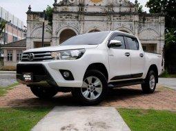 📌TOYOTA HILUX REVO DOUBLE CAB 2.4 E PRERUNNER AT สีขาว เกียร์อัตโนมัติ ปี 2015