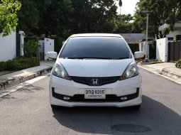 2013 Honda JAZZ 1.5 SV i-VTEC 🎰 รถไมล์วิ่งน้อยเพียง 71,xxx Km. 🎰