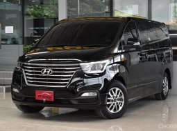 Hyundai H-1 2.5 Elite ปี2018 รถสวย ไมล์น้อย เจ้าของเดิมดูแลดีมาก