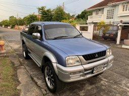 2002 Mitsubishi Strada 2.8 GLX 4WD Two Tone รถกระบะ