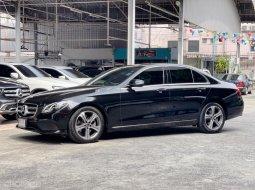 2019 Mercedes-Benz E220 2.0 d Sport รถเก๋ง 4 ประตู รถสภาพดี มีประกัน วิ่งน้อย สวยจัด