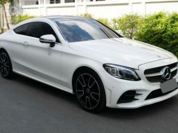 2020 Mercedes-Benz C200 2.0 AMG Dynamic รถเก๋ง 4 ประตู ฟรีดาวน์