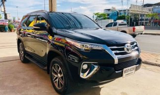 TOYOTA FORTUNER 2.8 V 4WD  ปี 2017