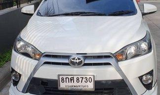 2017 Toyota YARIS E hatchback