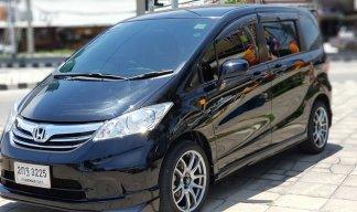 ยี่ห้อHondaรุ่นFreedปี2013เชื้อเพลิงเบนซินประเภทรถรถ MPV / SUV
