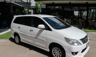 2012 Toyota Innova 2.0V Wagon AT