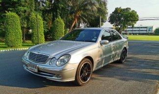 2004 Mercedes-Benz E200 Avantgarde sedan