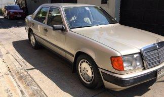 1999 Mercedes-Benz 230E Classic sedan