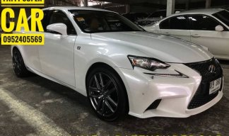 2014 Lexus IS 300H sedan