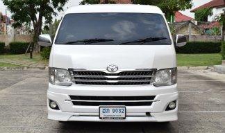 2013 Toyota Ventury 2.7 V van