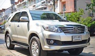 2013 Toyota Fortuner 2.5 V suv