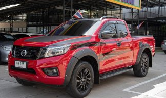 NISSAN NAVARA NP 300 CALIBRE 2.5E BLACK EDITION ปี 2018 มี