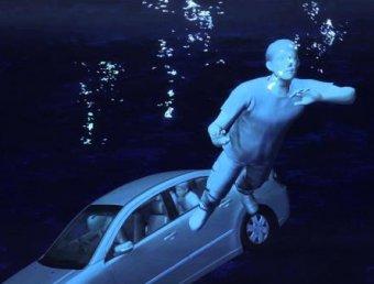 """วิธีเอาตัวรอด!! ถ้า """"รถตกน้ำ"""""""