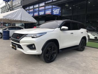 Toyota Fortuner 2.8 TRD Sportivo 4WD A/T 2017