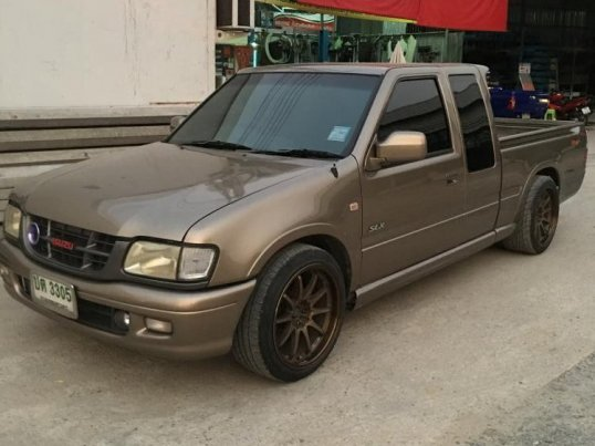 2002 Isuzu DRAGON EYE pickup