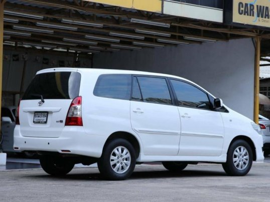 2014 Toyota Innova G mpv -2