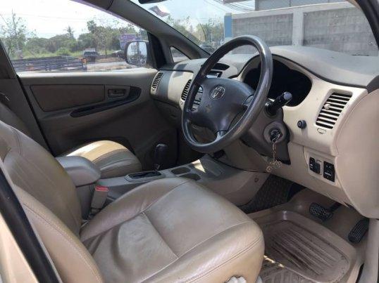 Toyota Innova G 2011 -5
