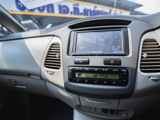 2011 Toyota Innova G van -7