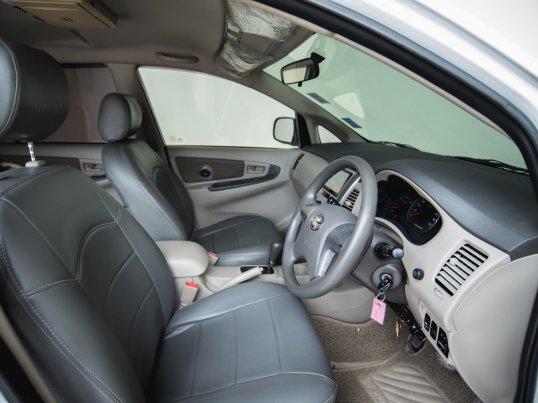 2012 Toyota Innova G van -3