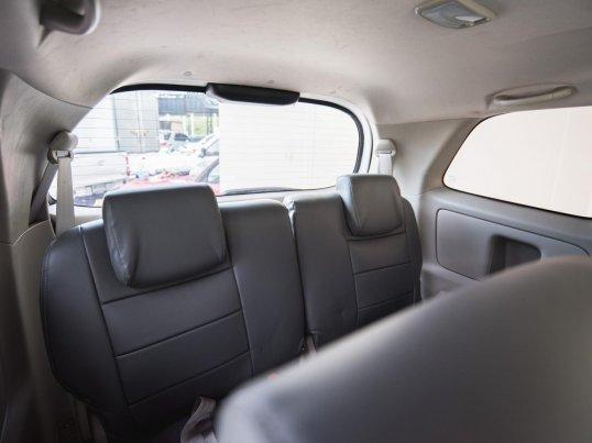 2012 Toyota Innova G van -4