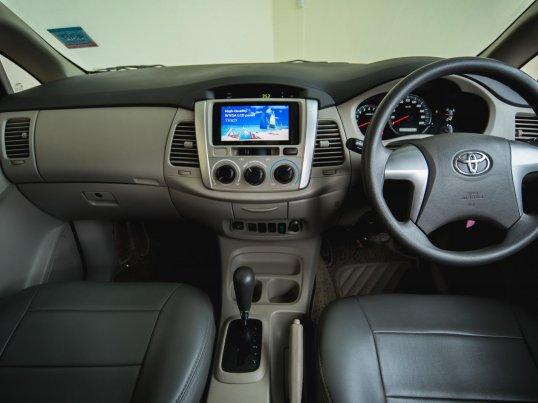 2012 Toyota Innova G van -5
