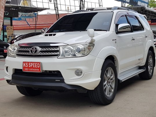 TOYOTA FORTUNER 3.0 TRD Smart A/T 4WD ปี 2010  -0