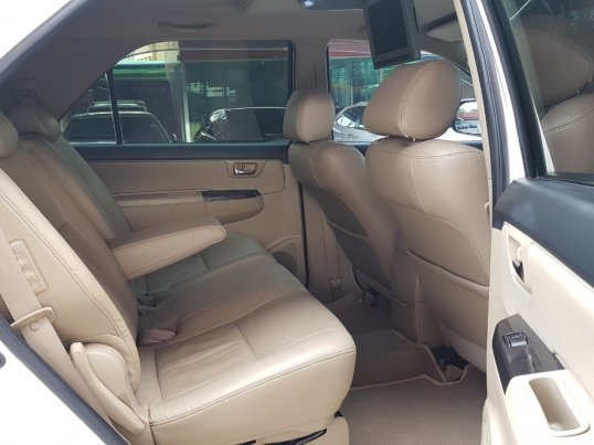 TOYOTA FORTUNER 3.0 TRD Smart A/T 4WD ปี 2010  -15