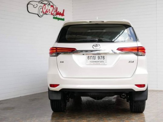 TOYOTA​ NEW​ FORTUNER​ 2.4​V​ AT​ 2WD​-2