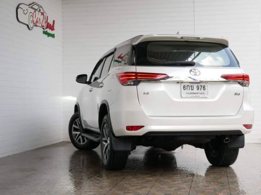 TOYOTA​ NEW​ FORTUNER​ 2.4​V​ AT​ 2WD​-1