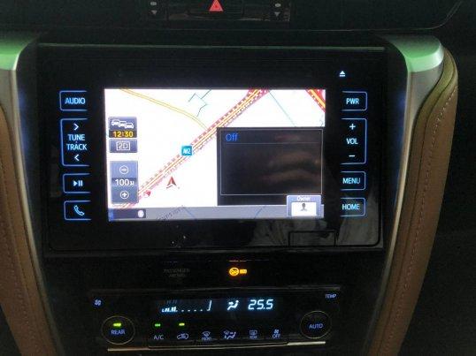 Toyota Fortuner V 4WD 2017 SUV-14