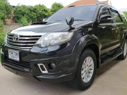 TOYOTA FORTUNER 3.0 V 4WD ปี2012 suv-2