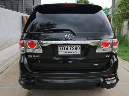 TOYOTA FORTUNER 3.0 V 4WD ปี2012 suv-5