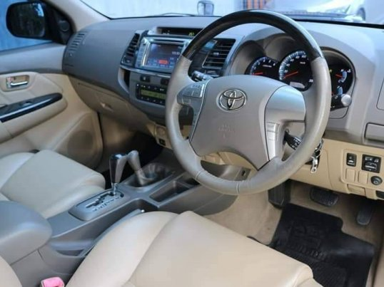 TOYOTA FORTUNER 3.0 V 4WD ปี2012 suv-9