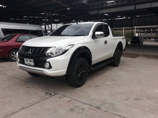 MITSUBISHI TRITON CAB 2.4 GLS PLUS LIMITED EDITION ปี 2017 M/T