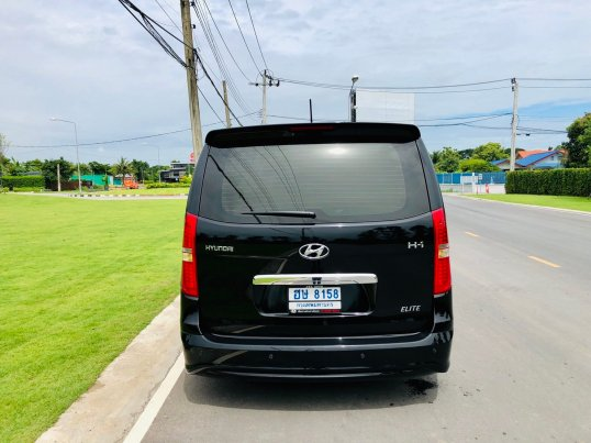2017 Hyundai H-1 Elite Plus mpv -6