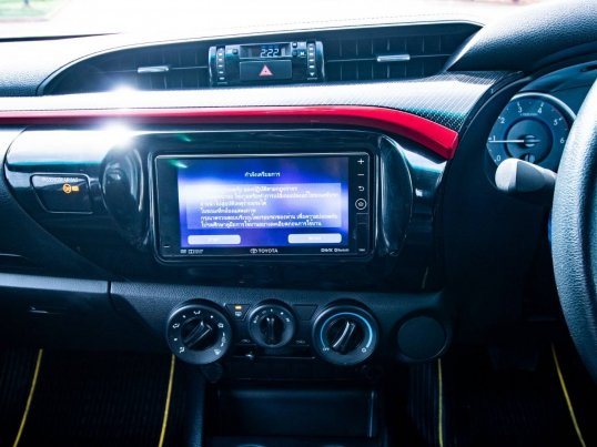 2017 Toyota Hilux Revo 2.4 Prerunner TRD Sportivo pickup -14