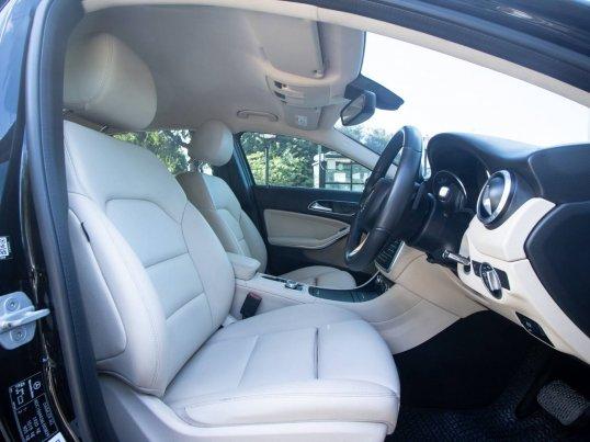 2016 Mercedes-Benz GLA200 Urban hatchback -12
