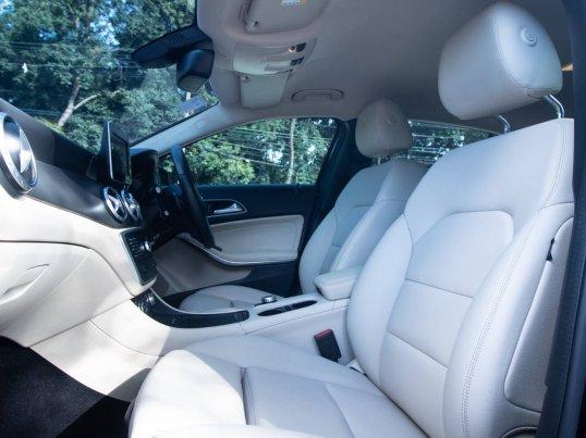 2016 Mercedes-Benz GLA200 Urban hatchback -14