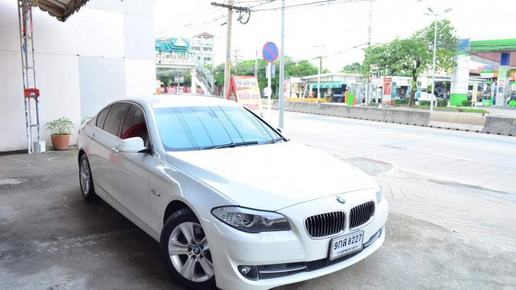 BMW Series5 F10 520D AT ปี2011
